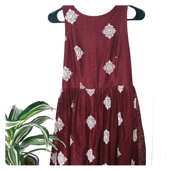 Altar'd State Dresses & Skirts - Maroon and white mini dress